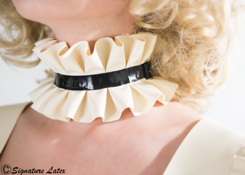 Maids Neck collar